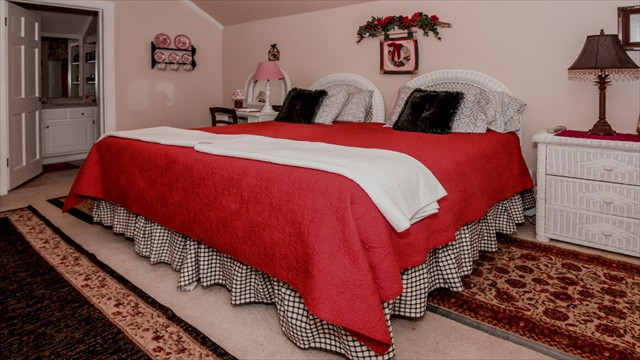 RED BEDROOM 1-2